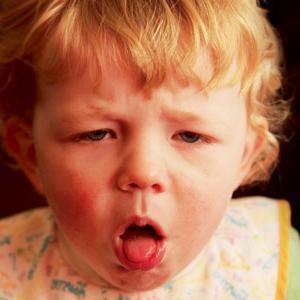 Как облегчить кашель у ребенка